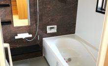 1坪サイズで広々。浴室乾燥機付き♪洗濯物も乾かせます。窓も有り。(風呂)