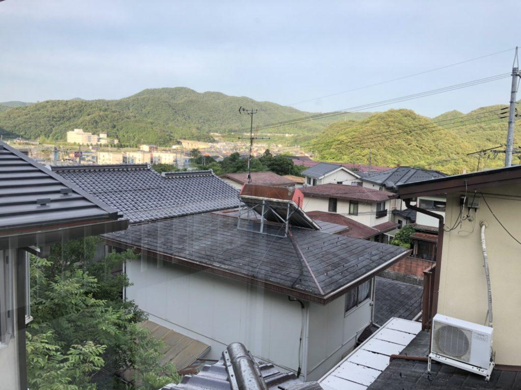 2階からの眺望。見晴らしが良く、風通し良好。お隣さんと目線の高さが違うので開放的です。