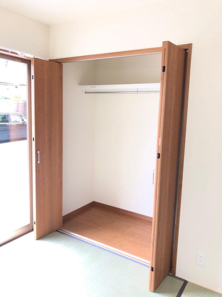 和室の収納は1畳分あります。保育園、幼稚園グッズや着替え、コートや布団など1階に置けると便利な物はたくさんあります^^(内装)