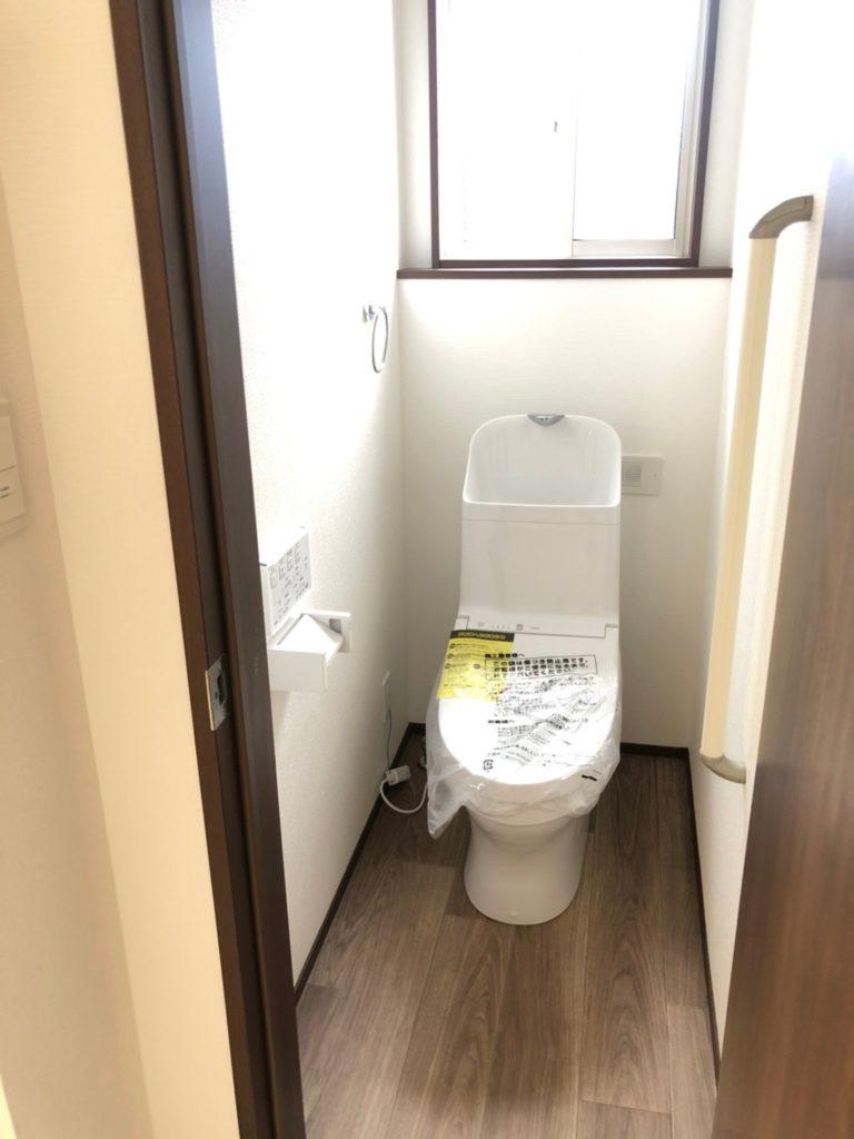 2階トイレ。あると便利です。