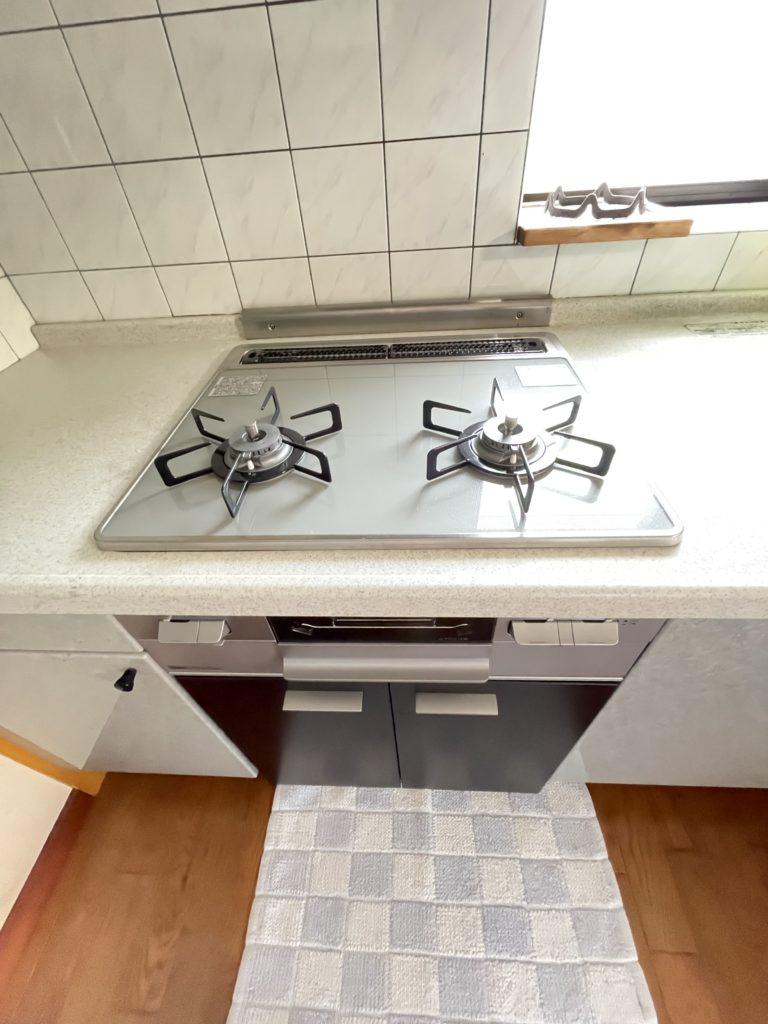 キッチンのガスコンロ、この度新品に交換しました!